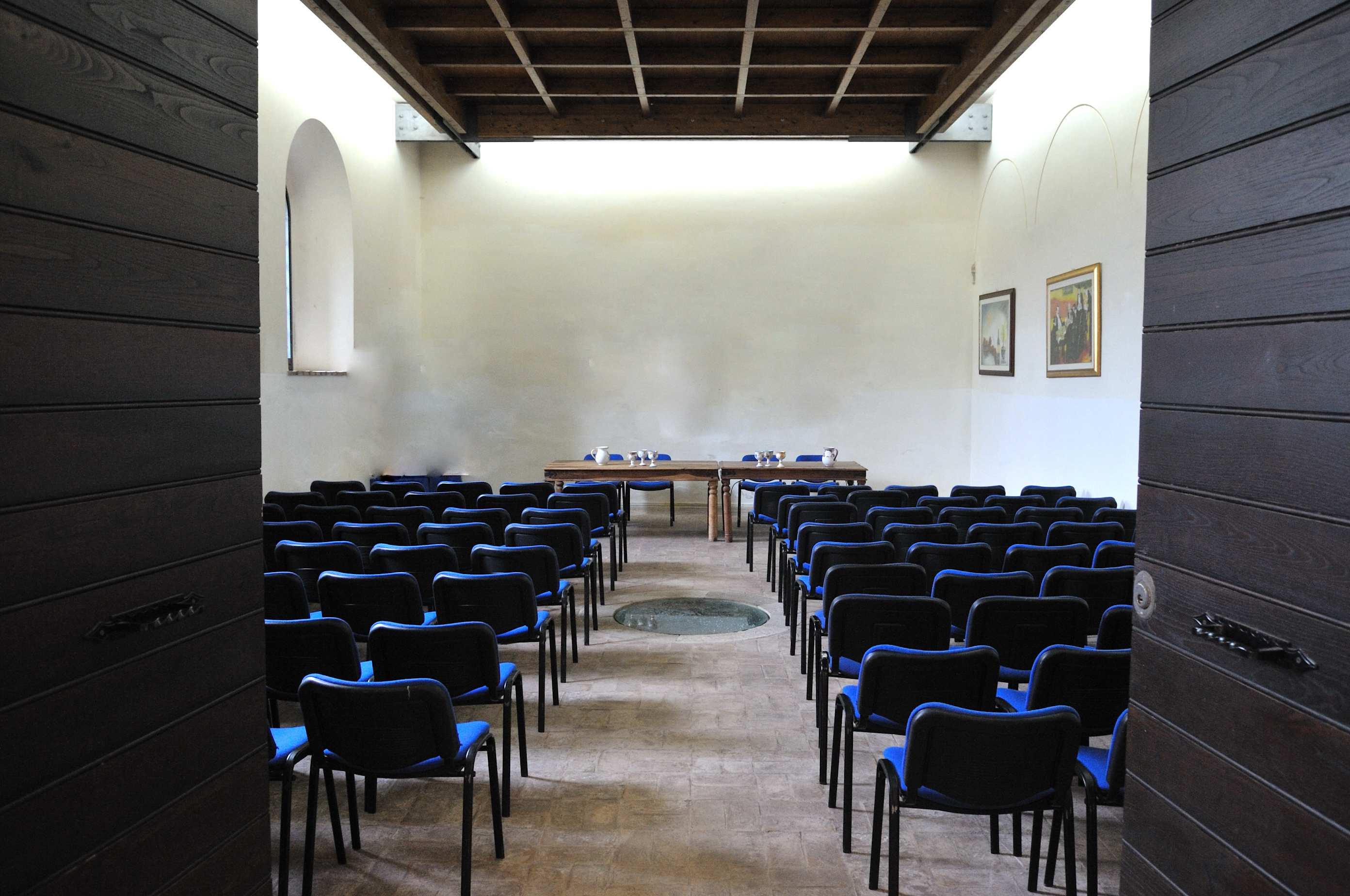 Location eventi, vista della sala interna Abbazia di Sant'Andrea